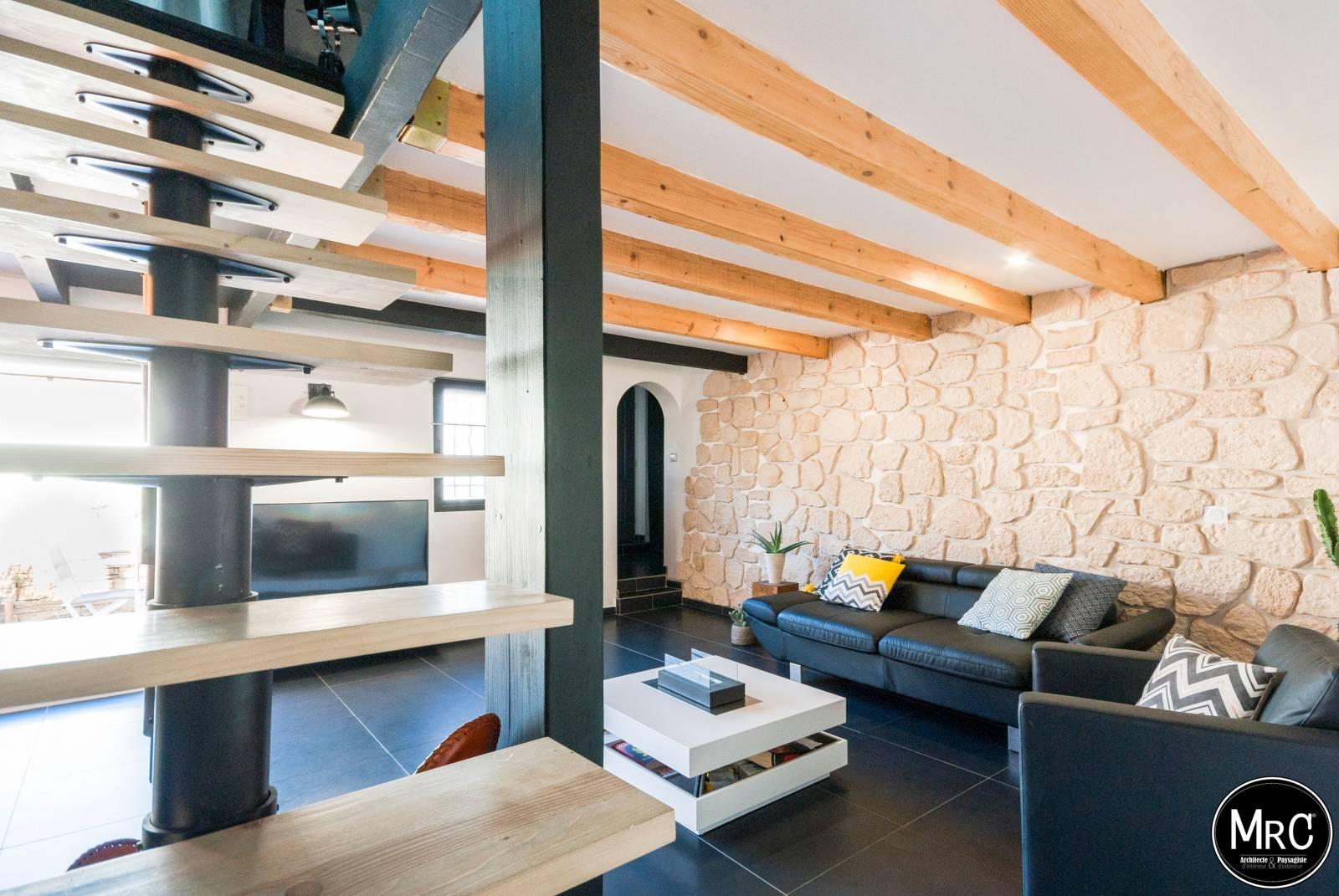 r novation d 39 un salon cuisine et entr e dans un duplex. Black Bedroom Furniture Sets. Home Design Ideas